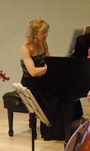 Debra Ayers performing with Taos Chamber Music Group